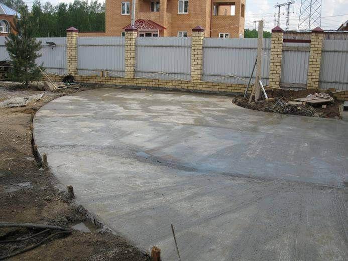 площадка после заливки бетоном